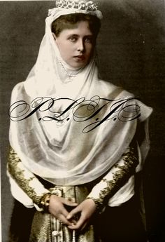 Princess Marie of Edinburgh later Queen Marie of Romania ( 29 October 1875 to 18 July after marrying King Ferdinand I of Romania on the January 1893 Royal Tiaras, Royal Jewels, Tiaras And Crowns, Princess Victoria, Queen Victoria, Romanian Royal Family, Princess Alexandra, English Royalty, Royal Fashion