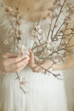 Points You Should Know Prior To Obtaining Bouquets Ostara Spring Equinox Early Spring, Spring Time, Pam Pam, Spring Photography, Nature Photography, Dreamy Photography, Photography Flowers, Persephone, Aphrodite