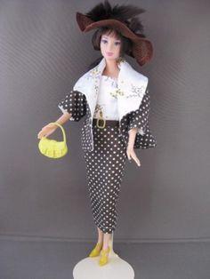 Brown Hollywood. Zelfgemaakte Barbie kleding te koop via Marktplaats bij de advertenties van Nala fashion. Homemade Barbie doll clothes (OOAK) for sale through Marktplaats.nl Verkocht/sold