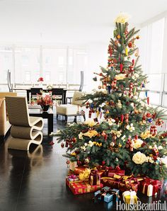 How to Decorate for the Holidays - Expert Holiday Decorating Tips - House Beautiful