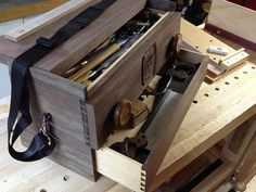Mobile Workbench Tool Box There are tons of helpful ideas pertaining to your woodworking ventures found at http://www.woodesigner.net