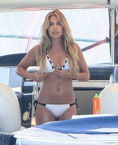 Sylvie Meis Sexy In Bikini Op Formentera