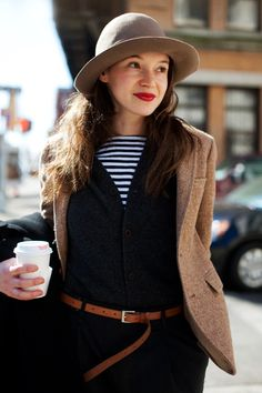 On the Street….The Ladies Sportcoat, NYC « The Sartorialist My favorite :D Diane Keaton, Sartorialist, Fashion Beauty, Womens Fashion, Her Style, Autumn Winter Fashion, Winter Style, What To Wear, Style Inspiration