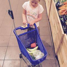 Zondagboodschappen doen met #Liv gezonde keuzes :-) ! #albertheijn