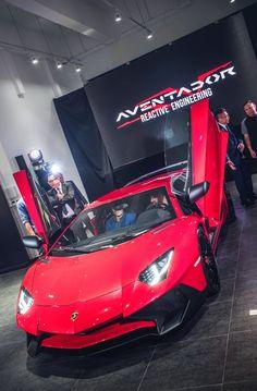 Lamborghini Aventador SV Lamborghini Veneno, Lamborghini Diablo, Fancy Watches, High End Cars, Continental, Gt Cars, Ferrari Car, Sweet Cars, Amazing Cars