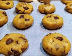 Τύφλα να χουν τα αγοραστά - Αφράτα cookies που λιώνουν στο στόμα Easy Cookie Recipes, Sweets Recipes, Cake Recipes, Greek Desserts, Sweet Cooking, Perfect Chocolate Chip Cookies, Fall Cookies, Biscuit Cookies, Canning Recipes