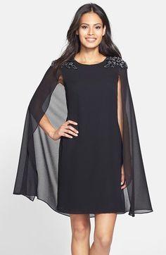 Pin for Later: Kein Wunder, dass die Stars total auf Cape-Kleider abfahren  Xscape verziertes Cape-Kleid aus Crepe (178 €)