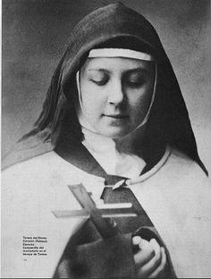 "Saint of the Day – 12 April – Saint Teresa de Jesús ""de los Andes"" OCD Catholic Quotes, Catholic Art, Catholic Saints, Roman Catholic, Ste Therese, St Therese Of Lisieux, Trinidad, Bride Of Christ, Mystic"
