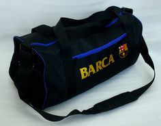 tas barcelona travel bag warna: hitam model: travel bag dimensi: panjang 55 cm, lebar 25 cm, tinggi 30 cm logo: bordir komputer harga: 100rb  customer service:  081908730081 (SMS) 51971087 (BBM) 085736078627 (WA/LINE)