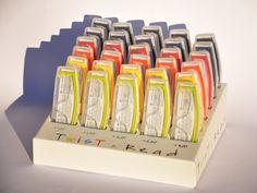 Twist & Read 30 pieces display