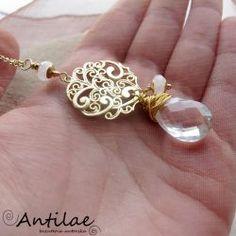 Mandala - Kwarc krystaliczny, kwarc różowy, pozłacany mosiądz - Antilae - biżuteria autorska