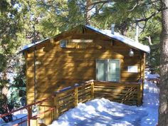 Harrison's Hanger - Three bedroom, two bath, wood burning fireplace, TVs, DVD player, washer/dryer, and full kitchen with stove/oven, refrigerator, microwave, blender, toaster, coffee maker, dishes, pots/pans, and more. Decks on both levels with a gas barbecue. Only ten minutes to the ski slopes, lake, golf, zoo, horseback riding, hiking, biking, shops, and restaurants.