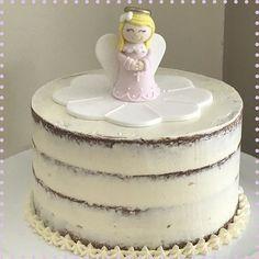 Batizado da Alice #vanessisses #menosémais #bolo #cake #cakelove #cakeoftheday #espatulado #seminakedcake #christening #festa #festaemcasa