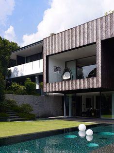 Casa Diseñada de la Reina Astrid Park por Aamer Architects