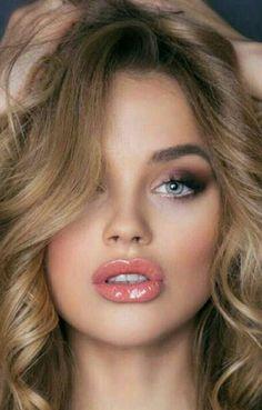 Beautiful Lips By Sarfaraz Shah Most Beautiful Faces, Beautiful Lips, Gorgeous Women, Absolutely Gorgeous, Girl Face, Woman Face, Pure Beauty, Beauty Women, Beauté Blonde