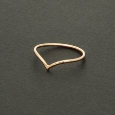 Thin Chevron Ring in Rose Gold / R047RG