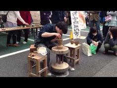 "ひかるの蹴轆轤1 Pottery making with a kick wheel. His name is "" Hikaru "". - YouTube"