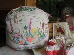 Gorgeous Vintage Embroidered Cottage Garden Tea Cosy