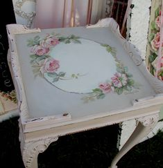 Shabby chic Queen Anne table (white) embellished with lovely rose tole painting <> (pretty bits 'n bobs)