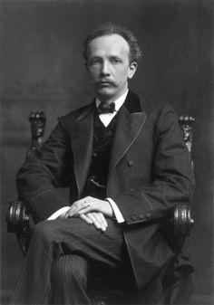 On June 11, 1864, German composer Richard Strauss was born in Munich, Germany. http://geni.com/DvDxC
