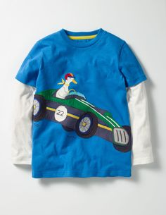 Your favourite furry friends are heading off on an adventure by plane, train or racing car. Join them for the ride in this playful T-shirt. Mock layered sleeves in contrast colours keep things casual, while appliqué and embroidered designs add a special twist.