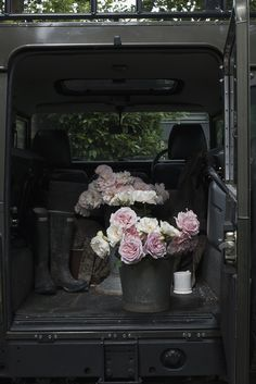 Land Rover & Roses