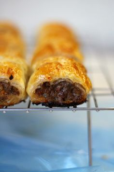 Lick The Spoon: Traditional Home Made Sausage Rolls Sausage Bread, Sausage Recipes, Appetizer Recipes, Dog Food Recipes, Snack Recipes, Cooking Recipes, Appetizers, Dutch Recipes, Healthy Recipes