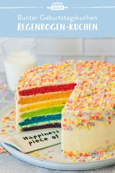 Rainbow-cake-Regenbogen-Kuchen No matter whether it& an adult or children& birthday – everyone is guaranteed to be happy about this cake. With our simple instructions, this rainbow cake with delicious butter cream is guaranteed to succeed. Lemon And Coconut Cake, Zucchini Cake, Easy Cake Recipes, Baking Recipes, Food Cakes, Savoury Cake, Clean Eating Snacks, Yummy Cakes, Vanilla Cake