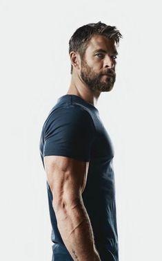 Men's Health UK November 2017 -- Chris Hemsworth by Patrik Giardino Chris Hemsworth Thor, Age Of Ultron, Mens Health Uk, Star Trek 2009, Hemsworth Brothers, Die Rächer, Elsa Pataky, Z Cam, Australian Actors