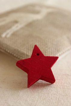 e come per i Magi,   una stella   brillerà in cielo   e ci indicherà il cammino                       Buon compleanno cara Nicky   e   ...
