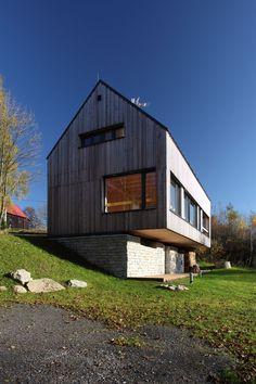 Moderner holzbau satteldach  Vorarlberger Holzbau-Kunst | Satteldach | Pinterest | Holzbau ...