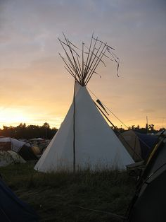 Womad teepee  2008 by liz fewings, via Flickr