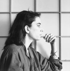 Patti Smith, 1979. Robert Mapplethorpe http://www.vogue.fr/suzy-menkes/la-chronique-de-suzy-menkes/articles/suzy-menkes-through-the-eye-and-the-lens-of-a-woman/24416