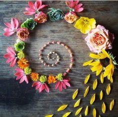 Small Cabinet of Curiosites: Stock Photo - Modern Land Art, Mandala Wallpaper, Ephemeral Art, Deco Nature, Flower Rangoli, Art Sculpture, Environmental Art, Crystal Flower, Outdoor Art