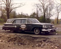 This 1960 Chevrolet Kingswood station wagon (corresponding to Chevrolet's Bel Air series) was a Maintenance-of-Way Vehicle for the New York Central Railroad. Note the extended bumpers and front coupler. Chevrolet Bel Air, Chevrolet Corvette, Detroit Cars, New York Central Railroad, Automobile, Old American Cars, Rail Car, Old Trains, Abandoned Cars