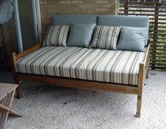 Resultado de imagem para sofa de madeira para area externa