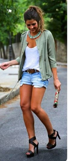 Love the simplicity clothes but the shoe is a big NO. But that's my opinion and tast.
