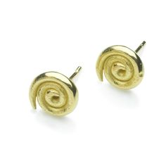 Simple and beautiful 18 carat gold earrings. These studs are great for everyday as the style is timeless and simple enough to go with everything. The diameter is approximately 8.5mm which makes them easy and comfortable to wear.
