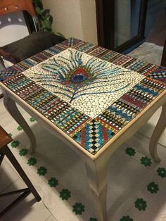 Beautiful Peacock Feather Pebble Mosaic Table - Rainbow of colors Pebble Mosaic, Mosaic Glass, Mosaic Tiles, Glass Art, Stained Glass, Tiling, Mosaic Crafts, Mosaic Projects, Mosaic Furniture