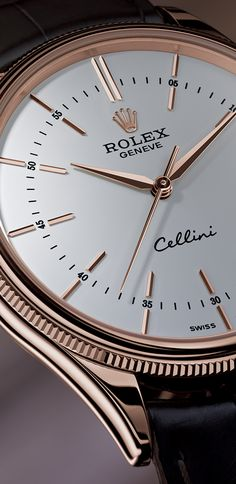 The Rolex Cellini Time's clear dial pays tribute to the timeless codes of watchmaking whilst reinterpreting them with elegant modernity.