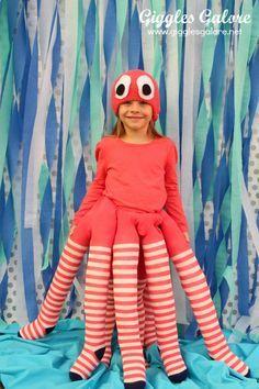 Kraken-Kostüm - auch für Erwachsene umsetzbar (... und ebenfalls fast ganz ohne Nähen: Ich würde mir die gefüllten Strümpfe an ein breites Gummi nähen, das untterhalb der Brust getragen wird)