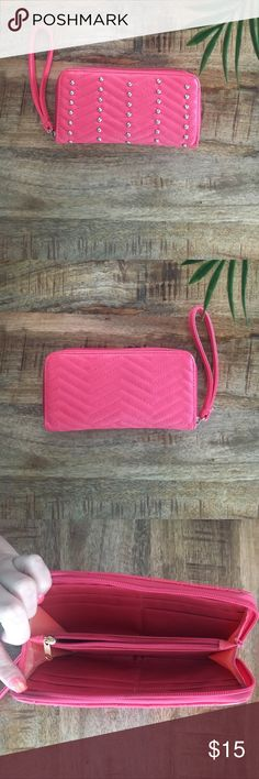 Coral pink wallet with silver beads Used RUE21 coral pink wallet wristlet with silver beads on it. In excellent condition. Rue 21 Bags Wallets
