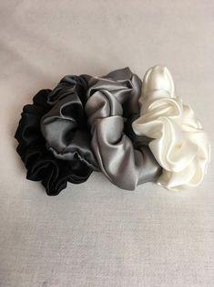 Pure Silk Hair Scrunchies Set of 4 Gray Tones Silk Craft Fair Ideas To Sell, Diy Hair Scrunchies, Silk Hair, Accesorios Casual, Silk Charmeuse, Pure Silk, Craft Fairs, Diy Hairstyles, Hair Band