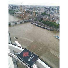Location: #LondonEye #London #GreatBritain   Cherish life with @gentlemanstimebook and @ladystimebook www.timebook.life