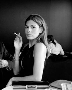 #evamendez looking elegant holding a #cigarette - Nice!