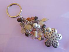 Portachiavi con perle pietre e cristalli, by Le gioie di  Pippilella, 10,00 € su misshobby.com