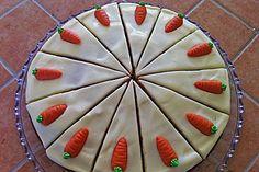 Karottenkuchen mit Frischkäseguss (Rezept mit Bild)   Chefkoch.de