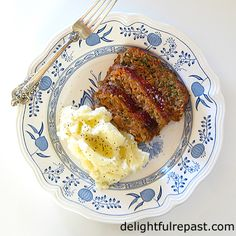 Turkey Mushroom Meatloaf - A Comfort Food Classic - also makes wonderful sandwiches hot or cold. Something the whole family will love. Mushroom Meatloaf, Turkey Meatloaf, Meatloaf With Oats, Italian Recipes, Mexican Food Recipes, Meat Loaf, Middle Eastern Recipes, Mediterranean Recipes, Southern Recipes