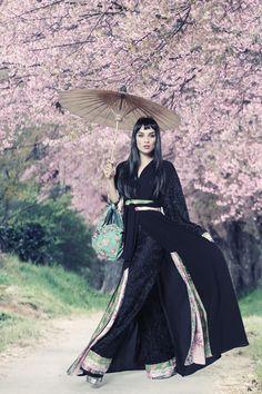 www.queenofspadesstore.com, Queen of Spades abaya