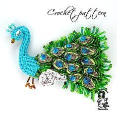 Crochet pattern - peacock brooch